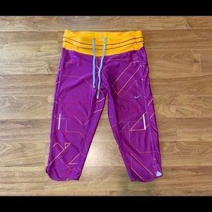 Women's Nike Dri Fit Capri Pants, size small